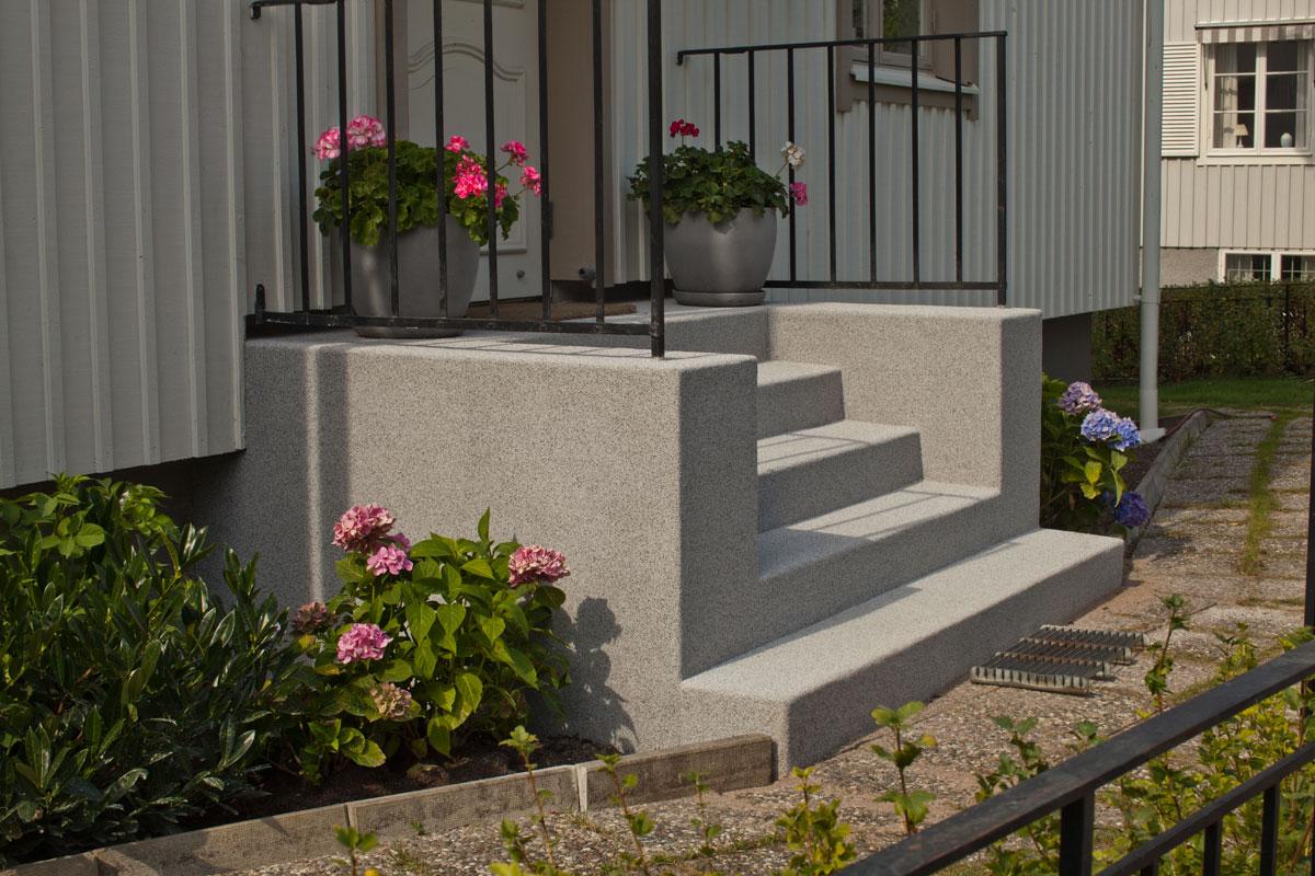 Renoverad betongtrappa med Marmocit i Bromma